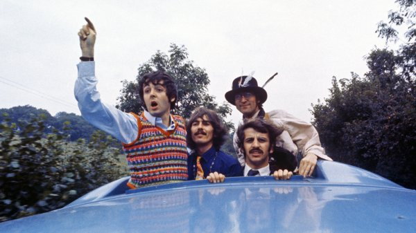 XXIII Фестиваль 'Улица Яблочных Лет' / The Beatles на Улице Яблочных Лет