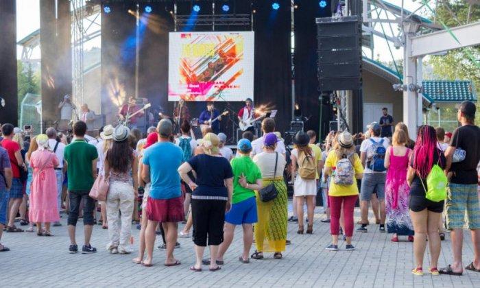 Турбаза «Бирюзовая Катунь». Шестой музыкальный фестиваль Because of the Beatles